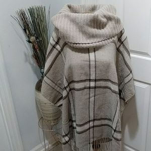 Fraas Taupe/Ivory Poncho
